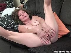 Old fuck meat enjoys a solo orgasm