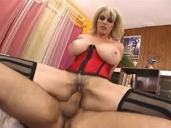 Cougar with hairy cunt is banged by a fat prick