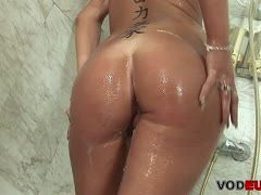 Horny housewife is surprised in the shower and fucked