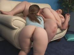 Fat bbw and midget have lesbian sex