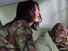 Nackt bundeswehr soldatin [DOWNLOAD] Der