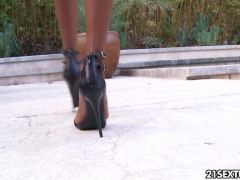 Hot black is jizzed on her feet