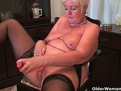 Granny is dildo fucking