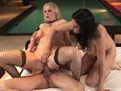 Explosive threesome with bi girls Raylene and Julia Ann