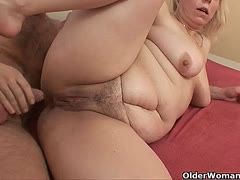 Chubby amateur milfs prefer it rougher